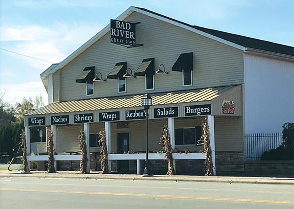 St. Charles, Bad River Bar Grill